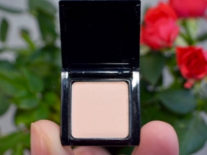 Make Beauty Alabaster Eyeshadow